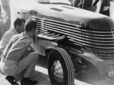 HEY_010_Tommy-Lees-Car-40